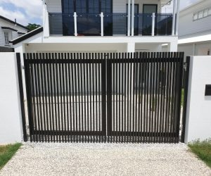 Hamptons Style Aluminium Gate and Fence 2_www.thefabcompany.com.au