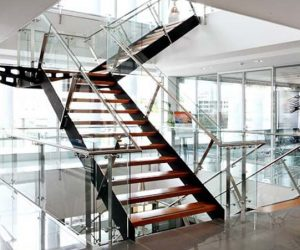 steel-stringer-staircase-with-glass